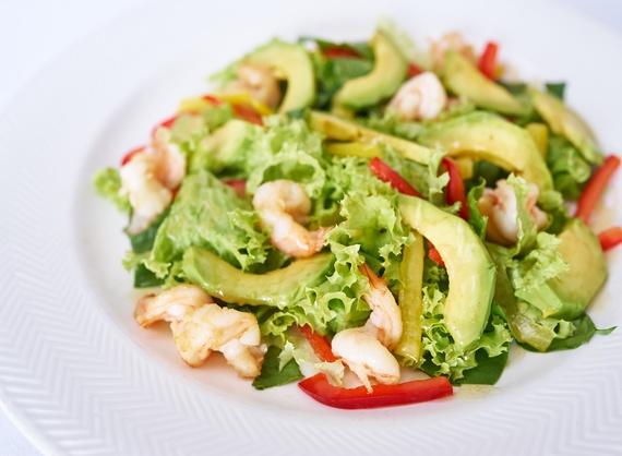 Салат с креветками с авокадо