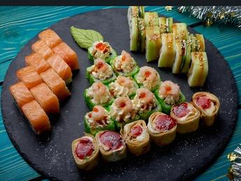 Sushi Set Рождественский