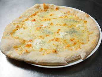 Pizza 4 Formaggi