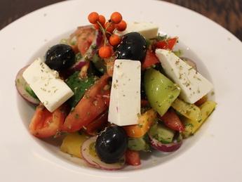 Салат иджиан из свежих овощей