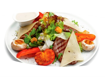 Salată caldă cu carne de vițel