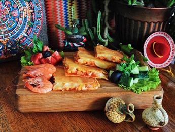 Quesadillas with shrimps