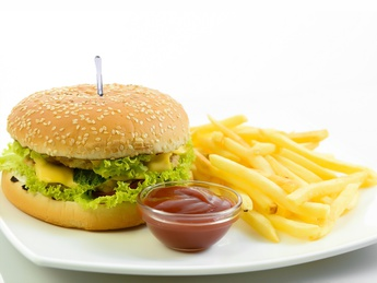 Burger cu carne de vită