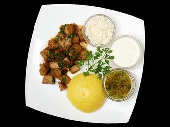 Tocăniță din carne de porc cu mămăliguță
