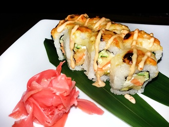 Roll copt cu crevete și carne de crab