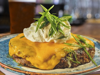 Chopped steak with poached egg