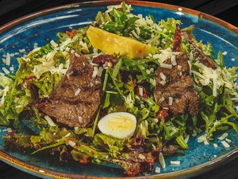Beef grill salad