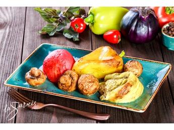 Grilled vegetables platter