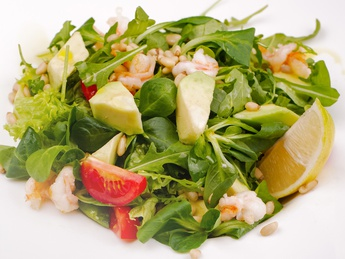 Salad with ruccola and shrimps