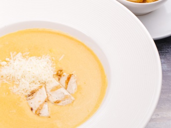 Soup cream with chicken fillet