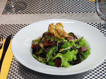 Vegan salad with baked vegetables