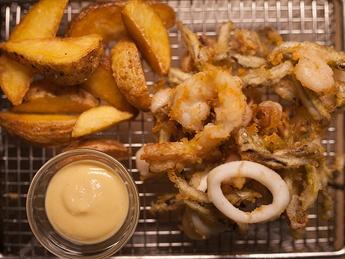 Fried seafood mix