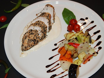 Chicken breast in sesame