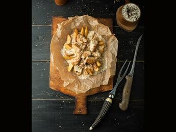 Картофель Wedges с куриным мясом, луком и сыром