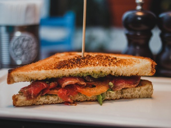 Sandwich with carpaccio