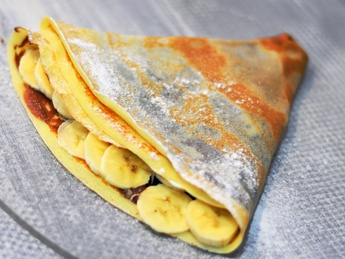 Pancake with nutella and banana