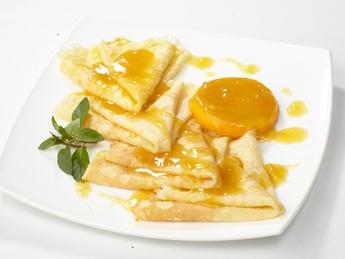 Блинчики с апельсиновым соусом
