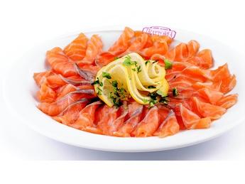 Tagliere di salmone norvegese