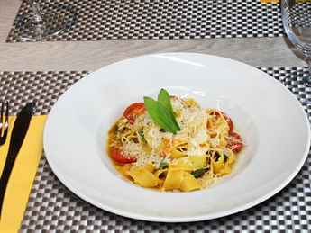 Pappardelle with sweet tomato sauce