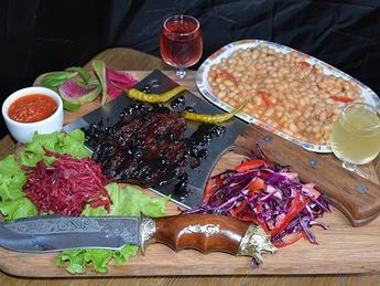 Bear meat in Russian style