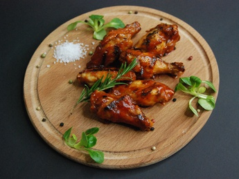 Chicken wings in BBQ sauce