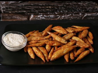 Smelt fries with sauce
