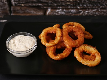 Onion rings with Tar-tar sauce