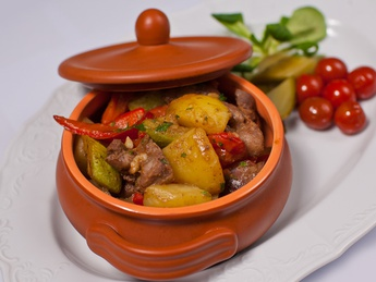 Pork neck with baked vegetables