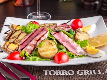 Nicoise salad with tender tuna fillet