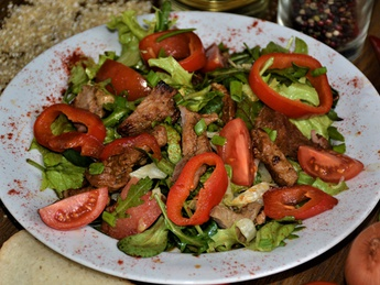 Salad with veal according to Dijonsky