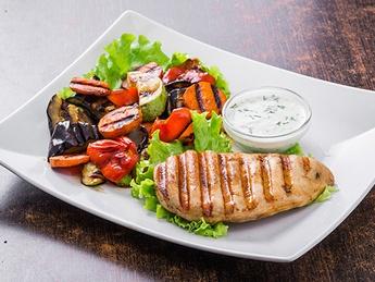 Chicken steak with grilled vegetables