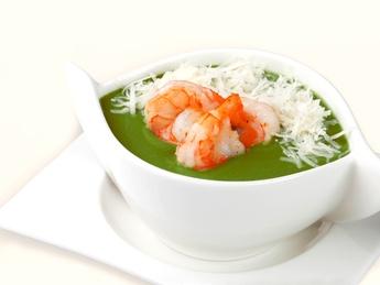 Supă-cremă din spanac cu creveți