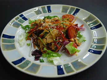 Salmon with vegetables and sesame seeds