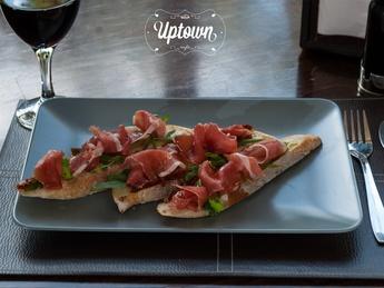 Bruschetta with prosciutto and tomato