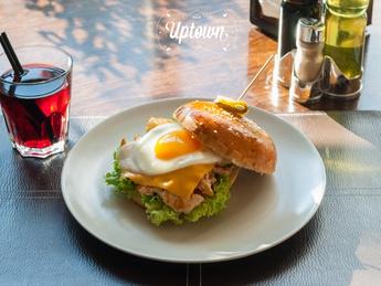 Chicken Burger De-Luxe