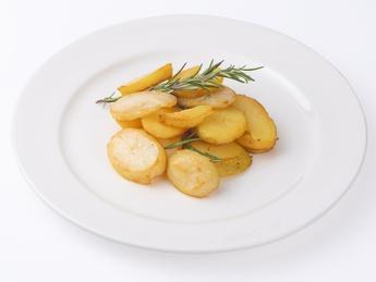 Картофель по домашнему с луком и чесноком