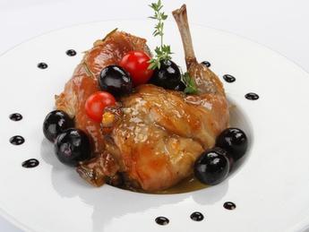 Rabbit with tuscan sauce