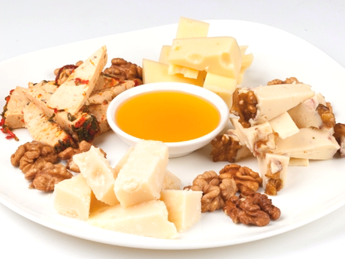 Mix of cheese for red wine