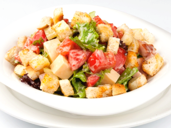Salad with bacon and croutons