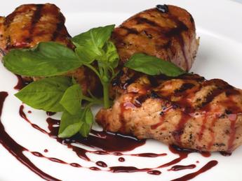 Pork with pomegranate sauce