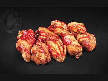 Chicken wings in sauce