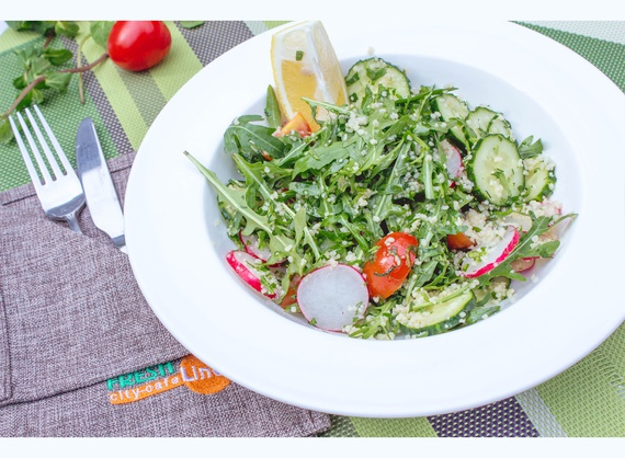 Maghreb salad with couscous, cucumber and radish