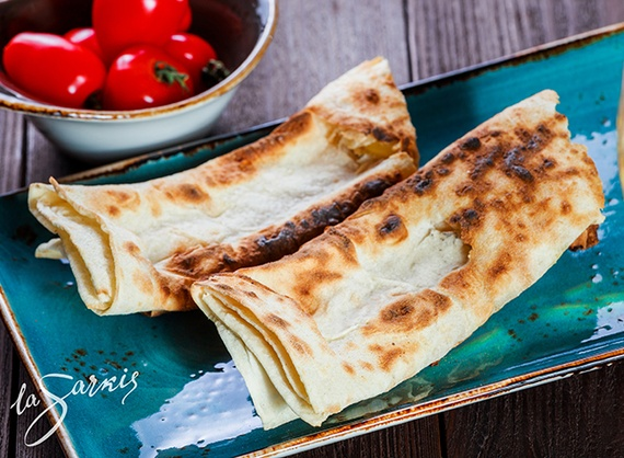 Grilled lavash with brynza