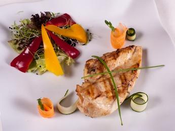Куриная грудка «Versenz» с сезонными овощами