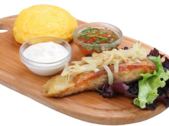 Carp with mămăligă