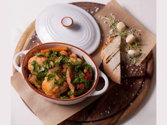 Горшочек со свининой и овощами