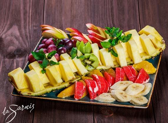Assorted fruit platter