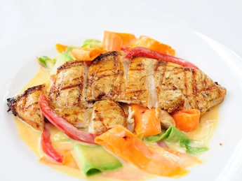 Chicken breast with vegetables and Martini sauce