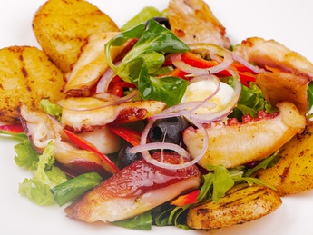 Salad with octopus in sweet and sour sauce