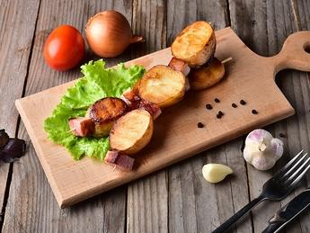 Картофель с беконом на гратаре